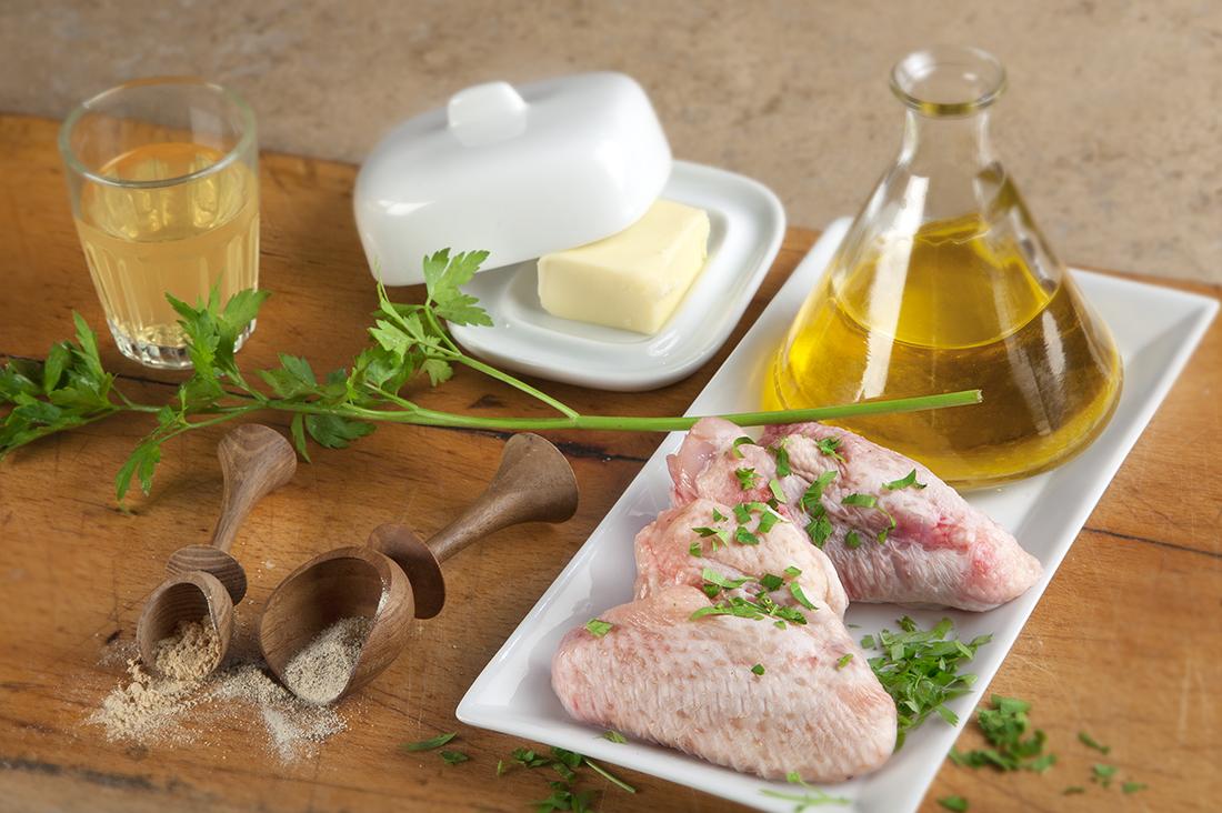 Receta de alitas de pollo al horno con ajo, perejil y vino blanco