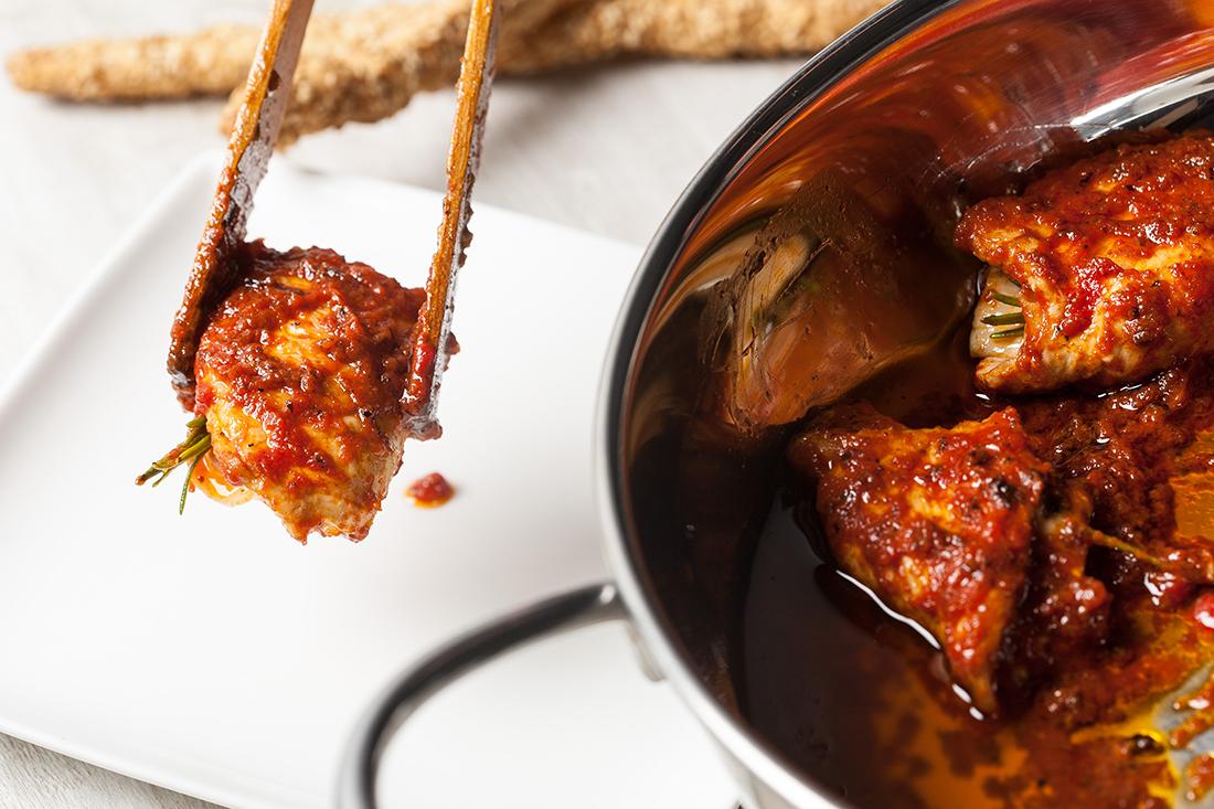 Rollitos de pavo con salsa de tomate