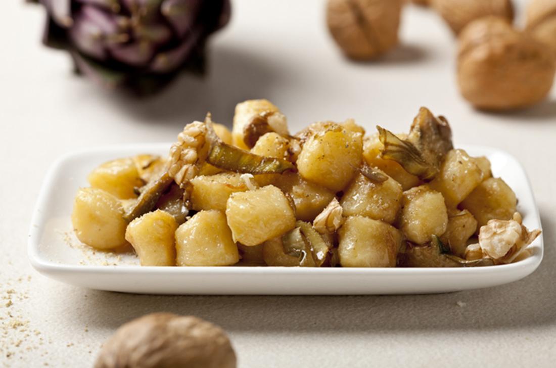 salteado de patatas con alcachofas