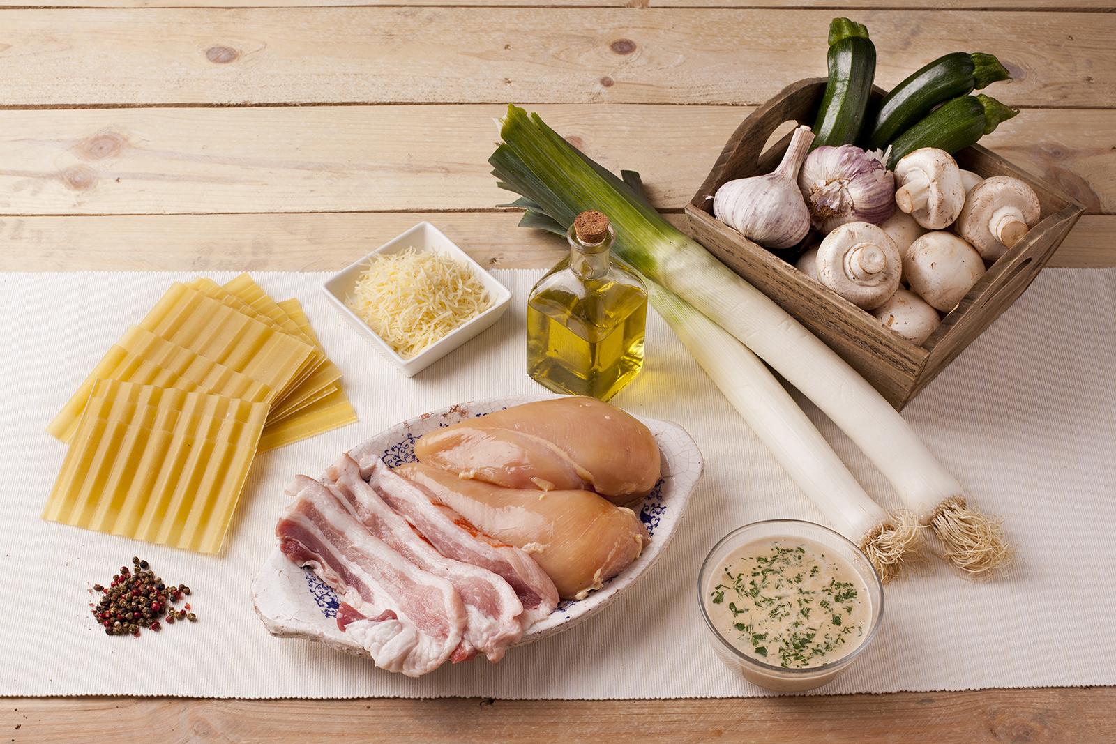 receta de lasaña fácil con pollo, puerros y champiñones