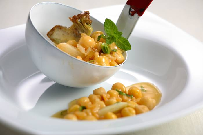 receta de potaje de- garbanzos y hierbabuena