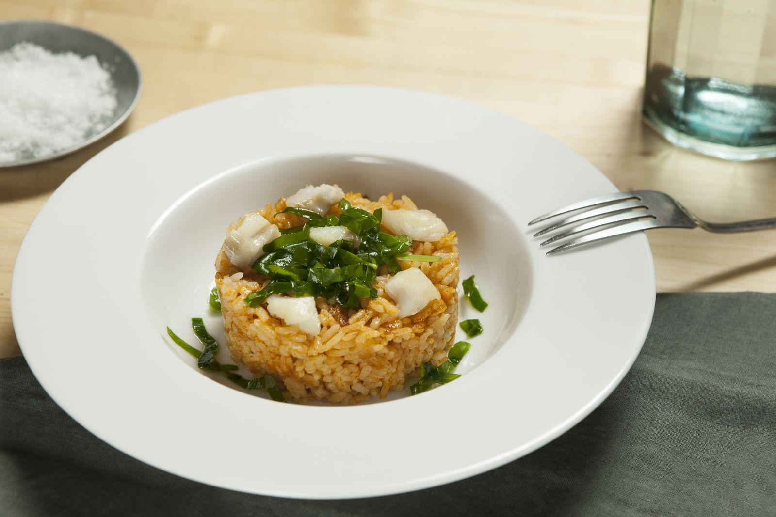 receta de paella de bacalao y espinacas