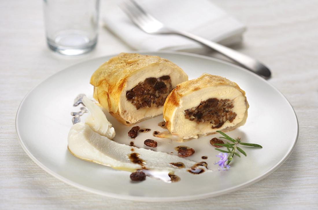 receta de pollo relleno de setas con costra de patata y pure de coliflor